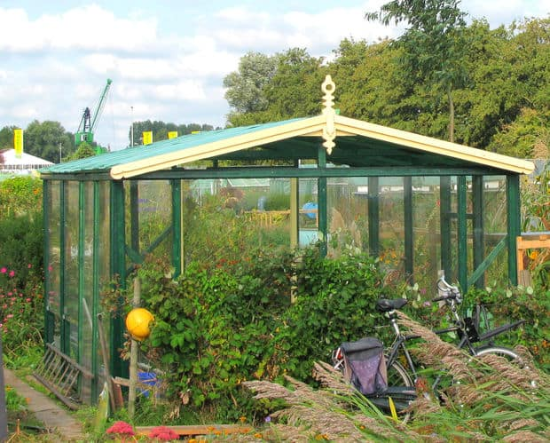 the small geodesic dome greenhouse design - Dome Greenhouse Designs