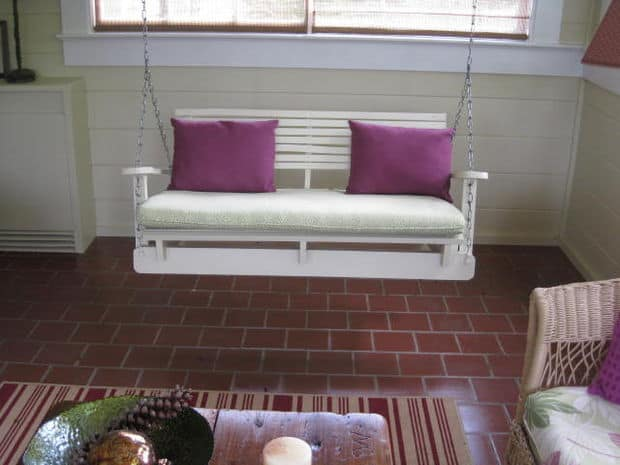 The White Pallet Patio Swing Chair Design