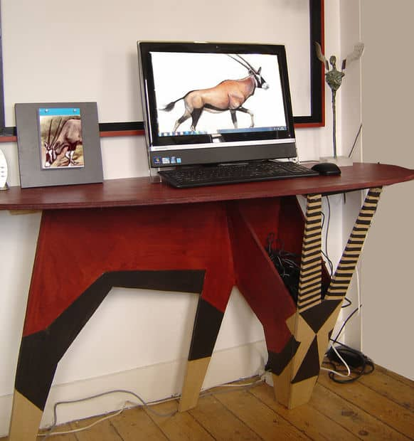 The Africa-Themed Oryx Desk Design