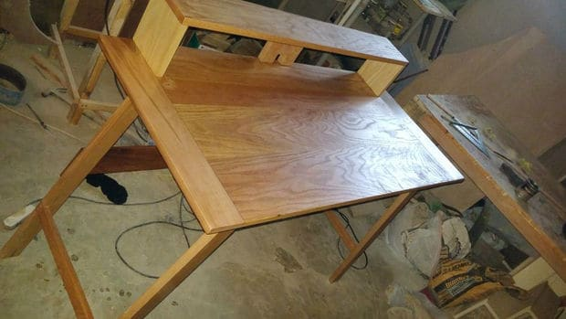 The Super Simple Wooden Desk Design & 132 [DIY] Desk Plans You\u0027ll Love - MyMyDIY   Inspiring DIY Projects