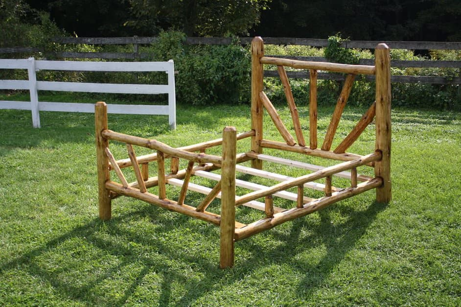 20 Masterly DIY Bed Frames [Free Plans]