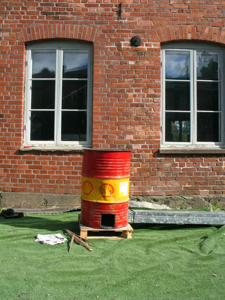 How to Meet the Neighbors (build a Rocket Stove)