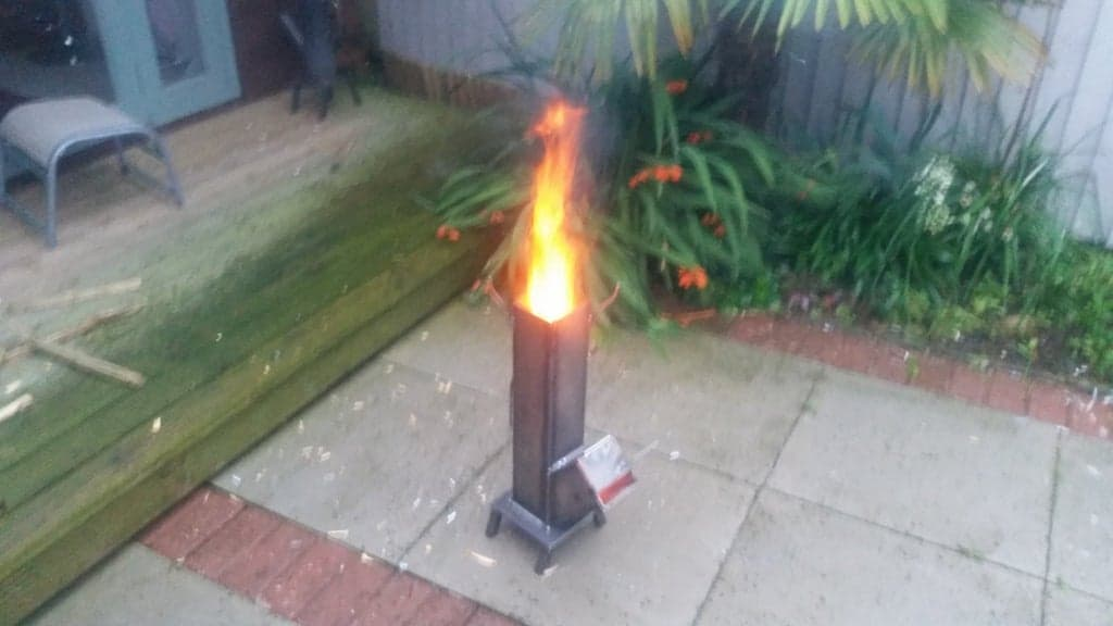 Rocket Stove by EAZEE