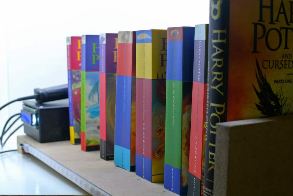 ShelfChecker - a Smart Bookshelf